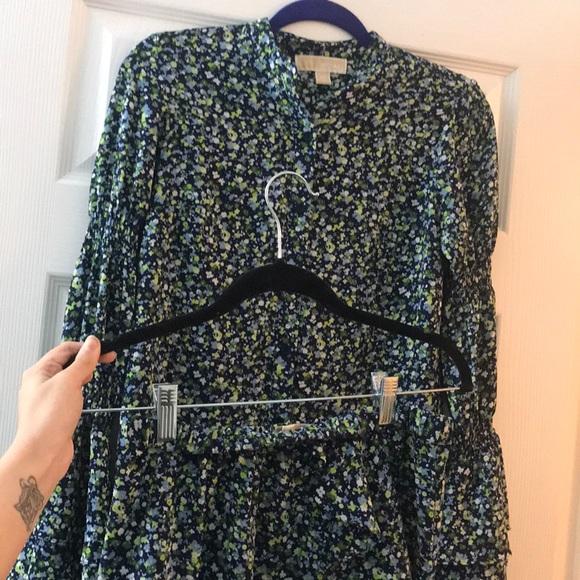 Michael Kors Dresses & Skirts - 🌿MICHAEL KORS🌿 2pc matching Blouse & Skirt